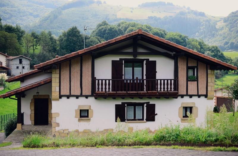 Fachada de casa rural