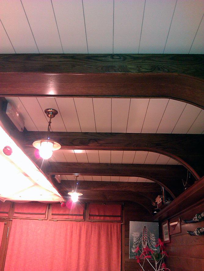 Vigas de techo con temática de barco